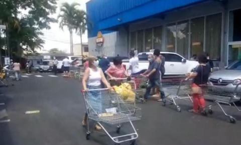 Supermercados de Ribeirão têm filas após anúncio de lockdown total