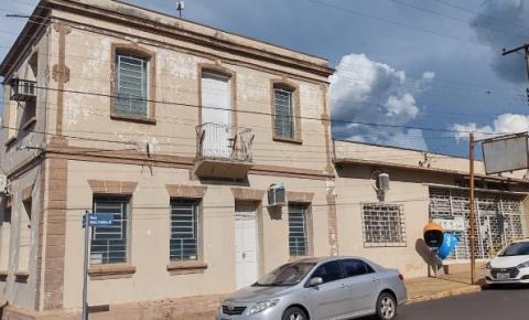 Após casos de coronavírus em servidores, Prefeitura da região suspende atendimento