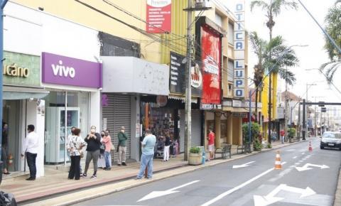 Comércio e Shopping Centers abrem até mais tarde nesta sexta (7)
