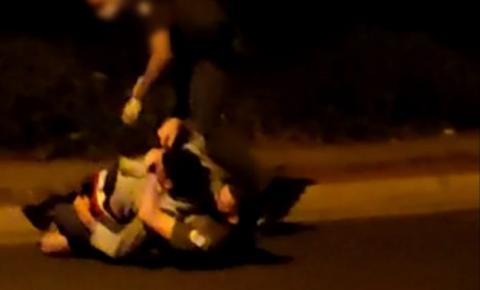 Suspeito por tráfico de drogas, ataca viatura da polícia
