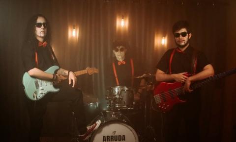 Trio Arruda e Os Danados lança clipe com grande produção audiovisual