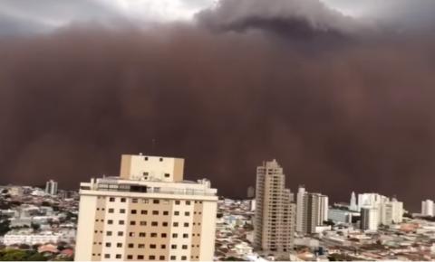 Nuvem de poeira assusta moradores da região de Ribeirão Preto