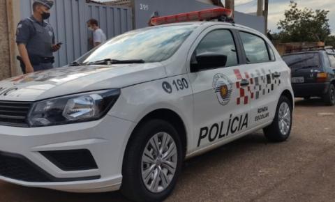 Dupla rouba moto e R$ 7 mil de trabalhador no Jardim Iguatemi